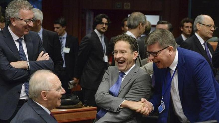 El Eurogrupo con sus más destacados miembros: el alemán Schäubel y el holandés Dijsselbloem que ha revalidado su presidencia