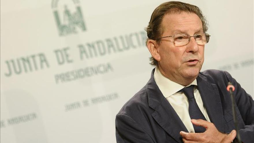 """La Junta dice que Chaves y Griñán declararían """"de parte"""" pero no imputados"""