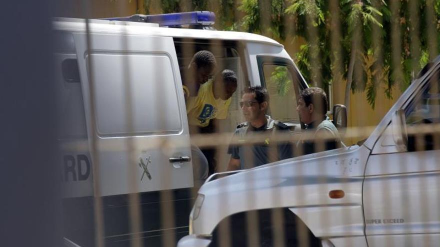 La Policía acuerda una nueva instrucción para prevenir los suicidios en los centros de inmigrantes