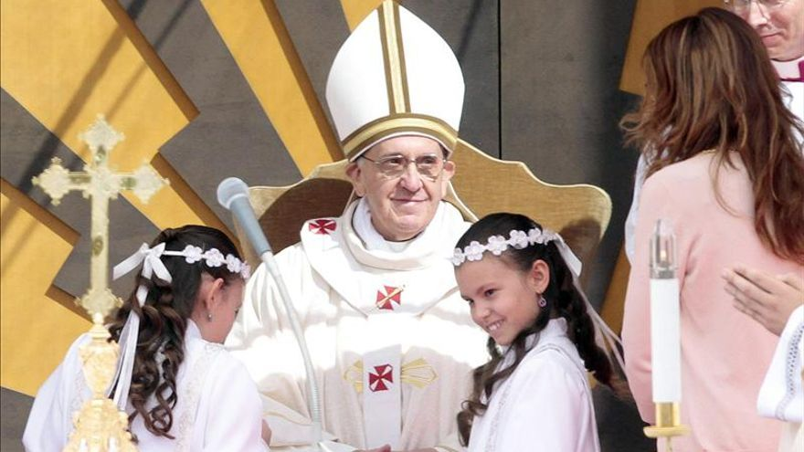 El papa visitó hoy su primera parroquia romana