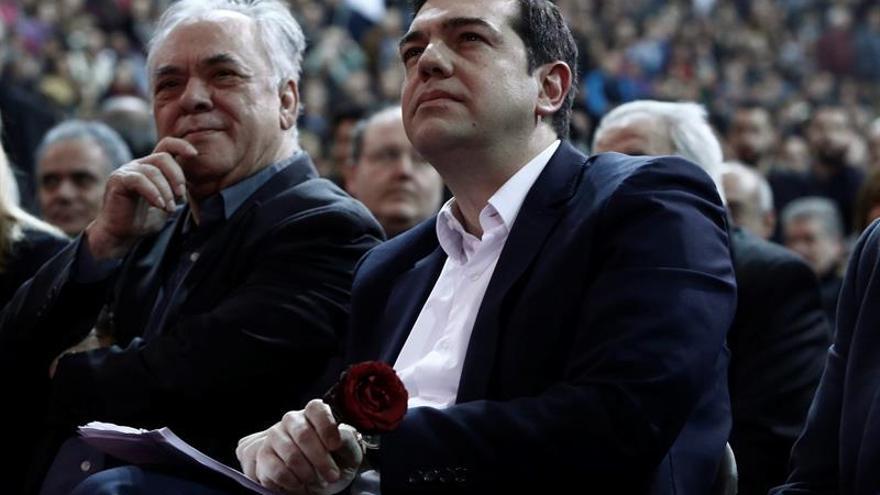 Grecia descarta un cuarto rescate y dice que plantearlo está fuera de lugar