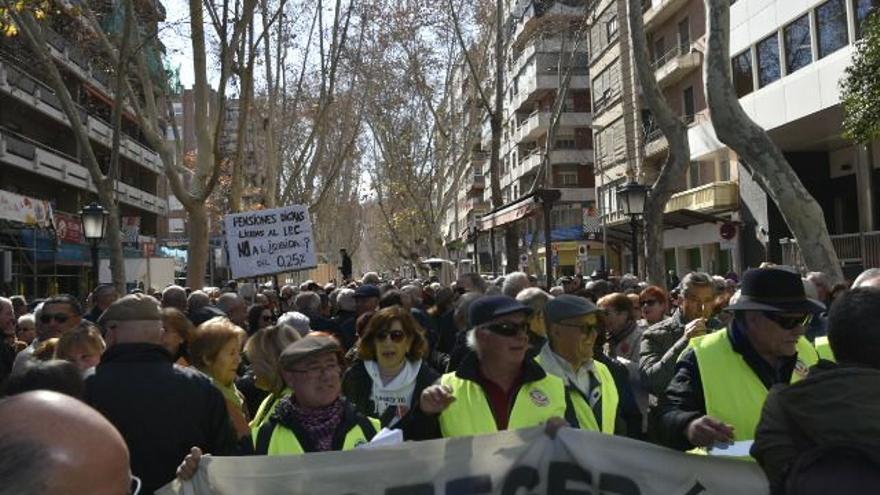 Manifestación en contra de la subida de pensiones en Murcia / CARLOS TRENOR