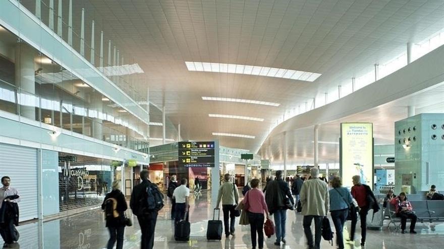 El Gobierno da luz verde a las obras del tren lanzadera al aeropuerto del Prat con más de 200 millones