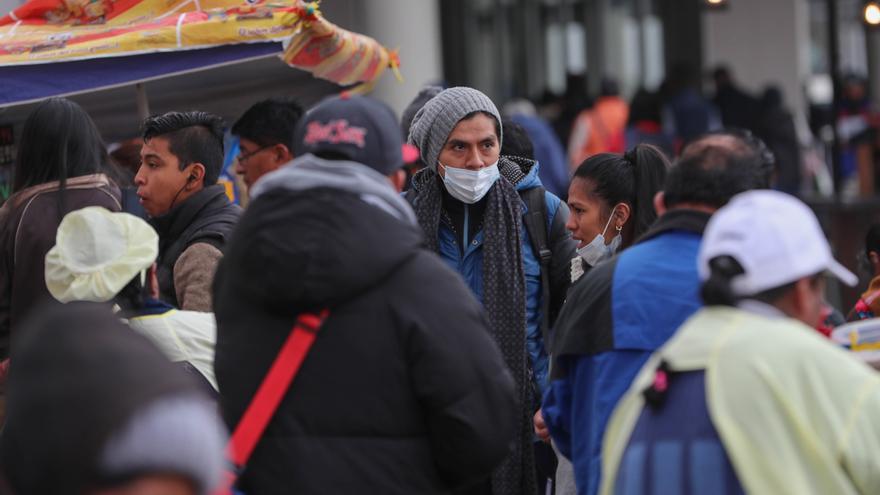 Bolivia registra 2.005 casos de covid-19 mientras las vacunas llegan a más regiones