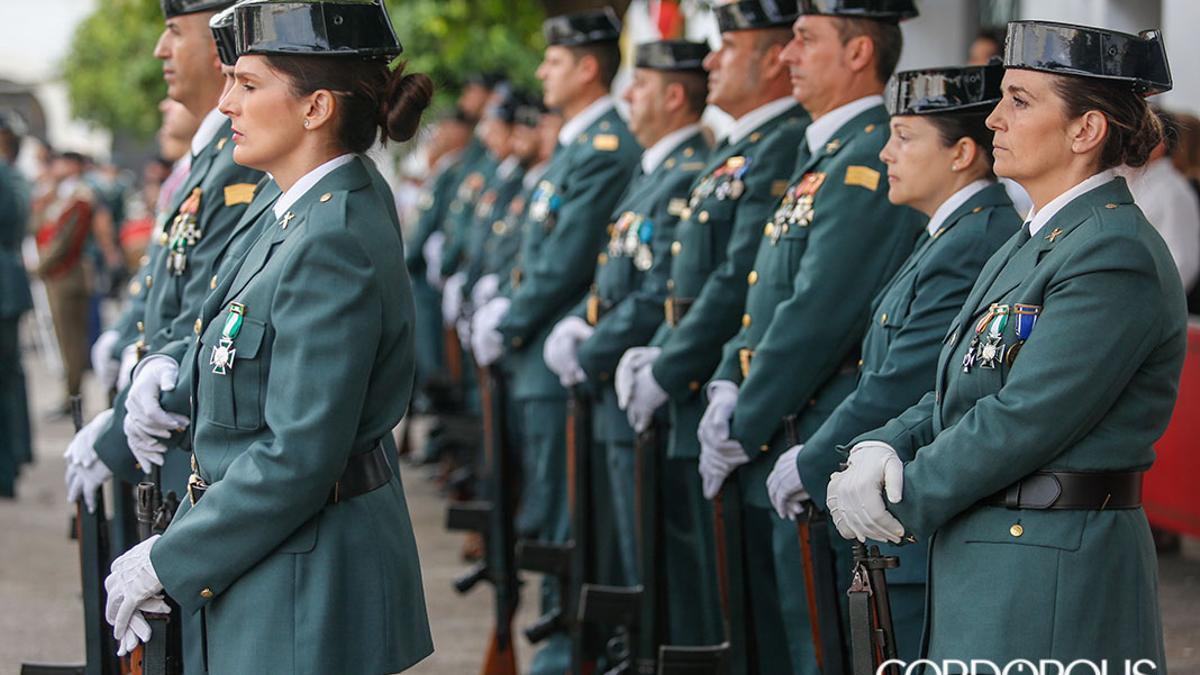 Desfile de la Guardia Civil con motivo del Día del Pilar