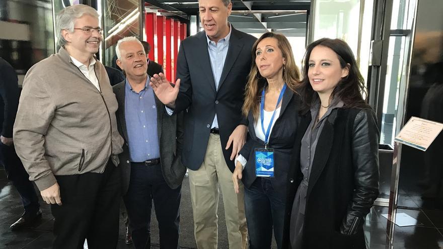 """El PP se erige ante """"una Unió cerrada, una CDC desaparecida y un PSC que ya no es referente"""""""