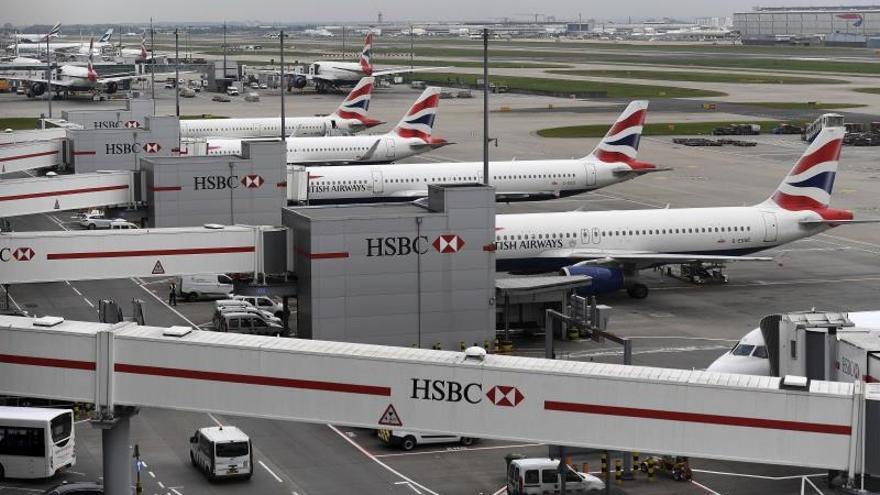 Vuelos suspendidos en Gatwick por la presencia de drones cerca de la pista