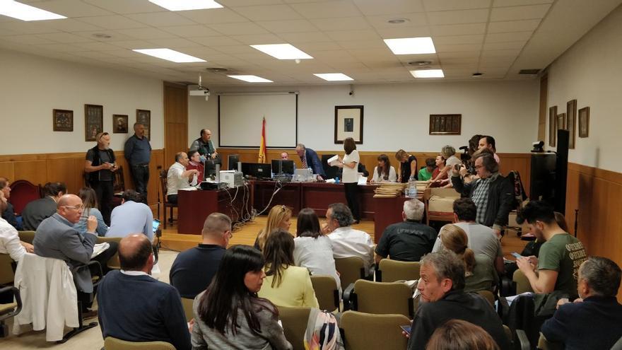 El escrutinio en León confirma el error entre votos de PSOE y Vox en varias mesas de León