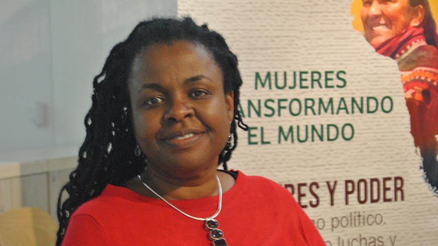 Everjoice Win, activista feminista zimbabuesa, durante su visita a Madrid.