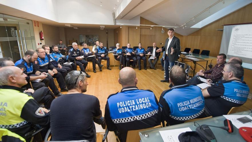 Responsables de Coordinación de Interior se reúnen con jefes de Policía Municipal y Local