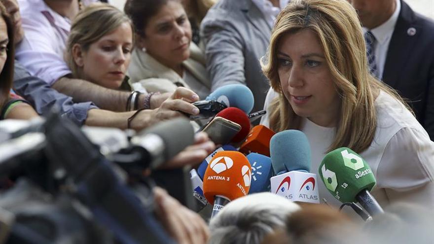 Díaz pide a Rajoy que escuche a la calle porque los ciudadanos están hartos