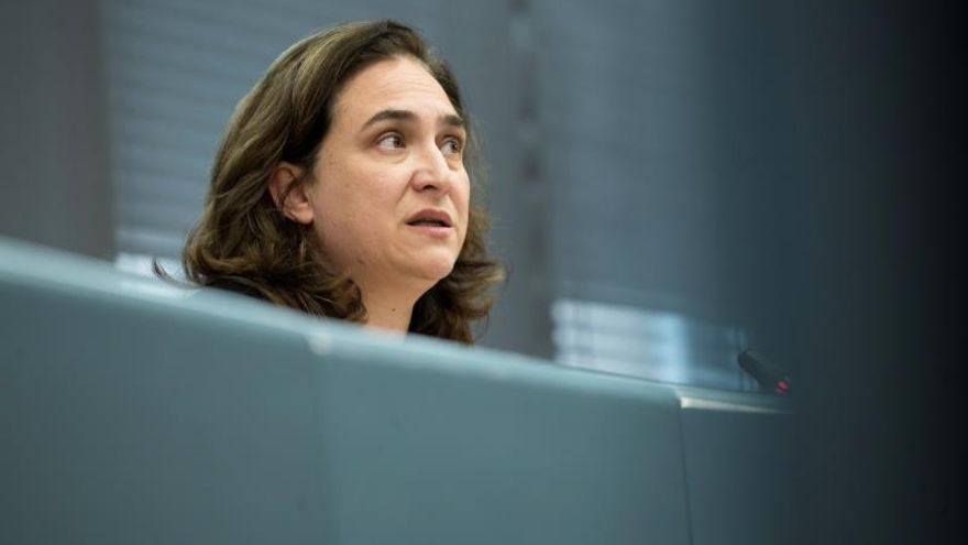 Colau pide a Sánchez que lidere un pacto de Estado por el derecho a vivienda
