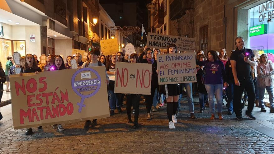 Manifestación por la Calle Real de Santa Cruz de La Palma.
