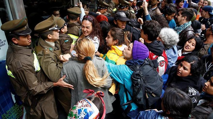 Bachelet respalda reconocimiento constitucional de pueblos indígenas