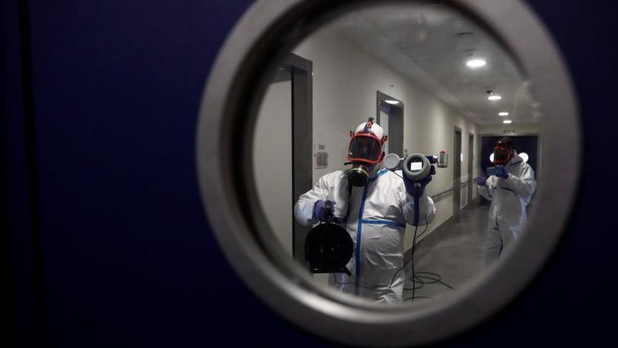 Una residencia de mayores en Madrid registra un brote con 47 casos y un fallecido