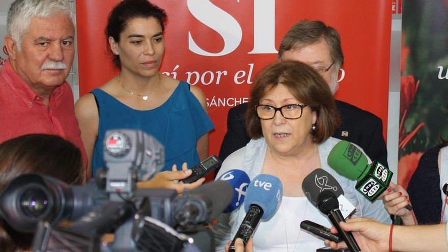 Reunión de la candidata socialista al Congreso de los Diputados por la provincia de Badajoz Marisol Pérez con la Plataforma del Tercer Sector / PSOE