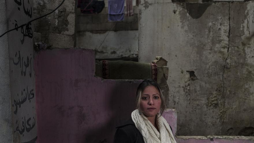 Heba Meri, una refugiada palestino-siria en el campo de Shatilla, Beirut, Líbano © Moises Saman / Magnum Photos