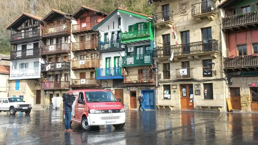 Diputación y Ayuntamiento de Pasaia elaboran un protocolo especial de actuación en caso de incendio en Donibane