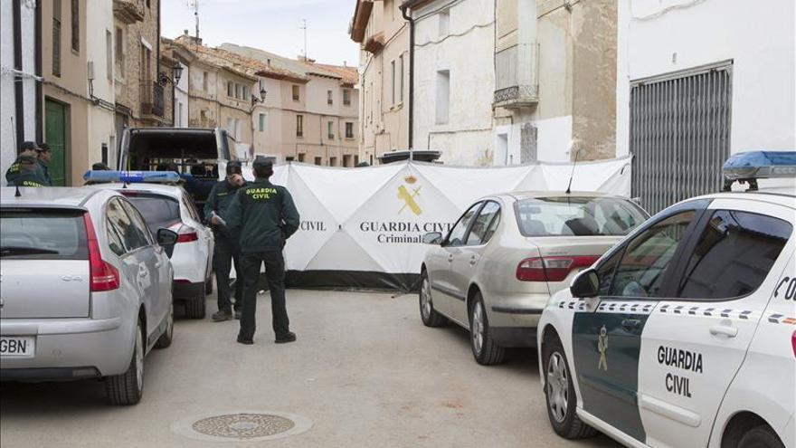 Hallan muerto y maniatado a un hombre en su casa de Fuentes Claras (Teruel)