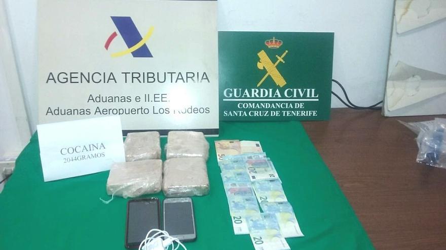 Sustancias incautadas a una pasajera en Tenerife Norte