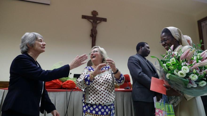 La monja togolesa Makamtine Lembo basa su investigación en el relato de nueve religiosas violadas por sacerdotes en países del África subsahariana.