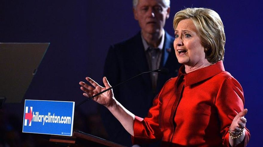 Las primarias de EE.UU. se aclaran con la salida de Bush y el triunfo de Clinton