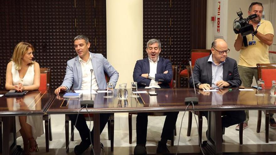 Los cuatros componentes del grupo Nacionalista en la comisión de Presupuestos y Hacienda Rosa Dávila, Narvay Quintero, Fernando Clavijo y José Miguel Barragán