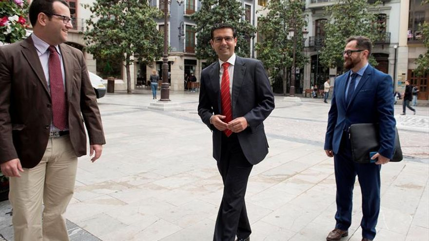 Francisco Cuenca (PSOE), elegido nuevo alcalde de Granada
