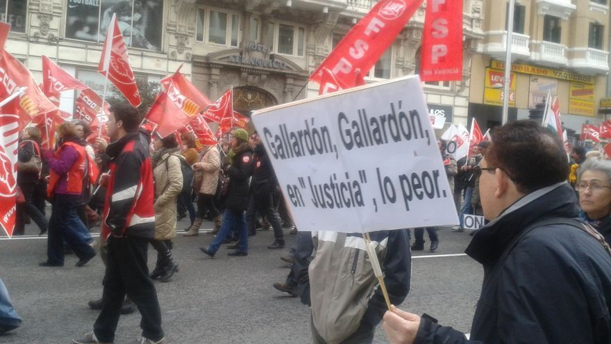 Cientos de personas protestas contra las reformas de Justicia / Ana Requena
