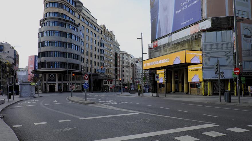 La Gran Vía madrileña, vacía tras la declaración del estado de alarma.