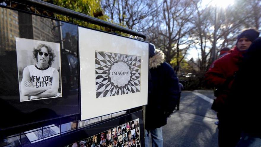 Taschen edita un libro de fotografías inéditas de John Lennon y Yoko Ono