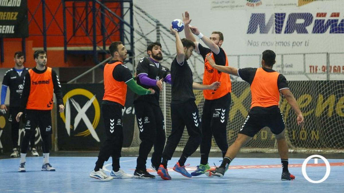 Jugadores del Ángel Ximénez en un entrenamiento.