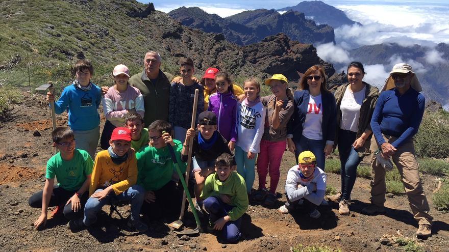 Nieves Lady Barreto en un momento de la visita a la cumbre de La Palma.