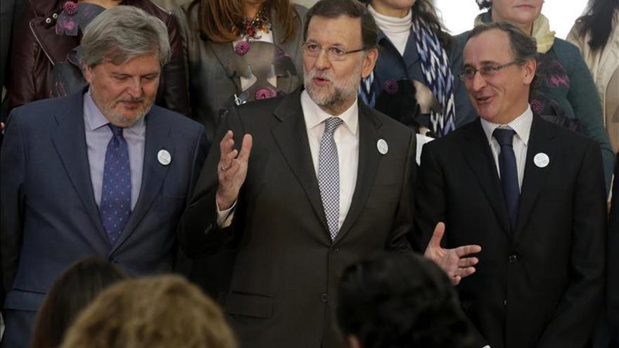 Rajoy dice que debe ajustar debates con sus obligaciones como presidente
