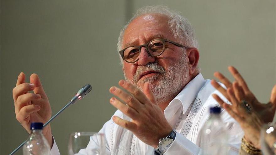 Experto de la OCDE advierte que sin competitividad Latinoamérica perderá espacio