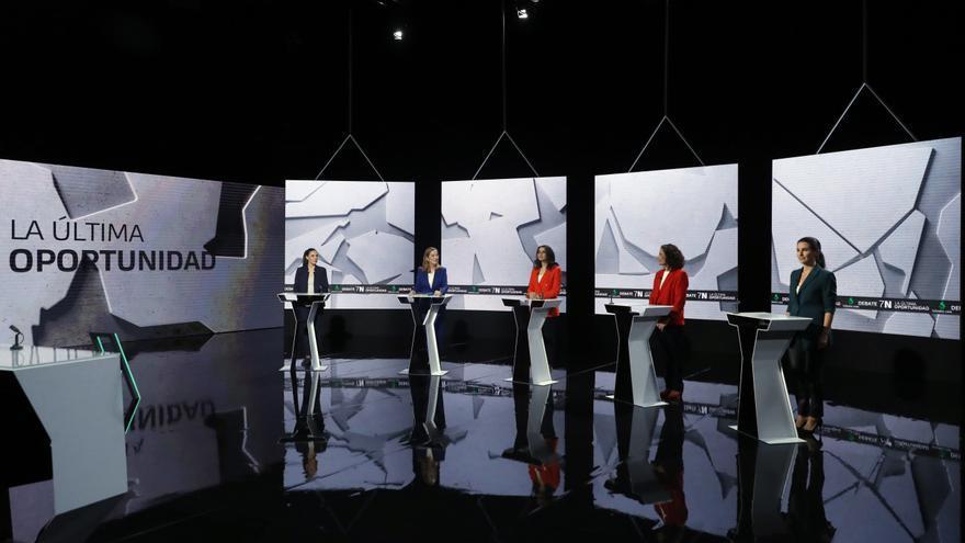 """Las seis participantes del debate denominado """"La última oportunidad""""."""