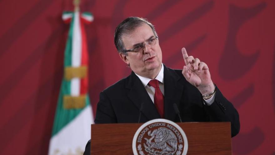 México gestiona regreso de embajadora en Bolivia para garantizar su seguridad
