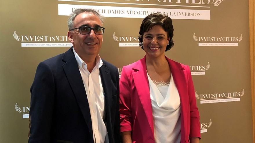 La alcaldesa de Ciudad Real, Pilar Zamora, y el concejal de Promoción Económica, Pedro Maroto FOTO: Ayuntamiento de Ciudad Real