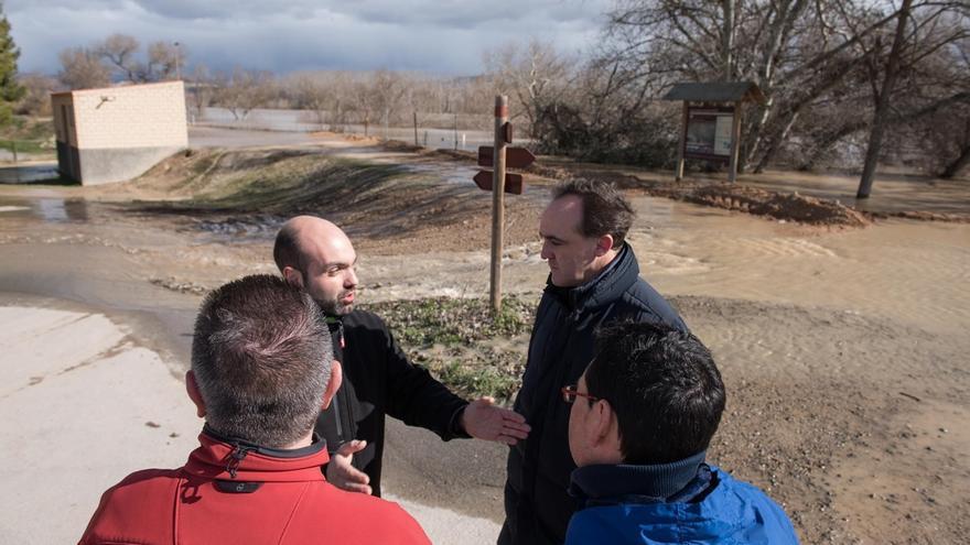 El Gobierno foral reclama la inmediata limpieza del Ebro y ayudas extraordinarias por los daños de las inundaciones