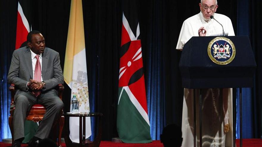 El papa ofrece hoy una multitudinaria misa en la Universidad de Nairobi