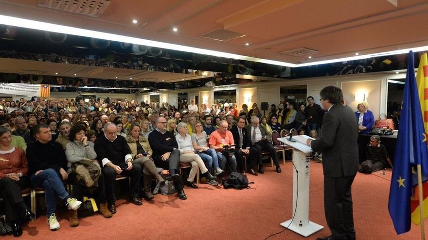 """Puigdemont avisa de que el Estado """"ha decidido participar con tres candidatos"""""""