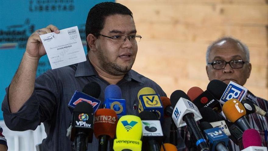 La oposición venezolana niega nueva negociación pero expondrá a Medina las demandas