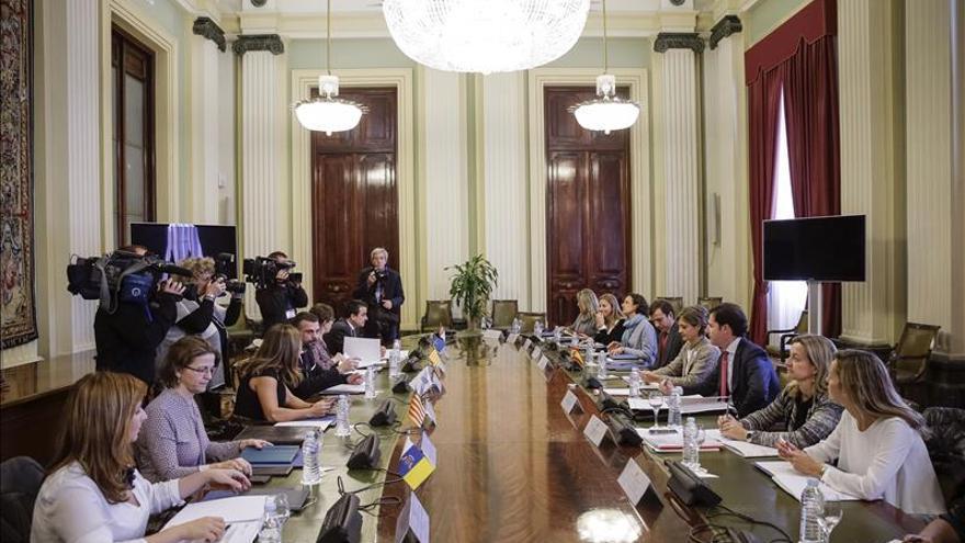 Tejerina informa a las Comunidades del operativo de seguridad para la Cumbre de París y sus objetivos