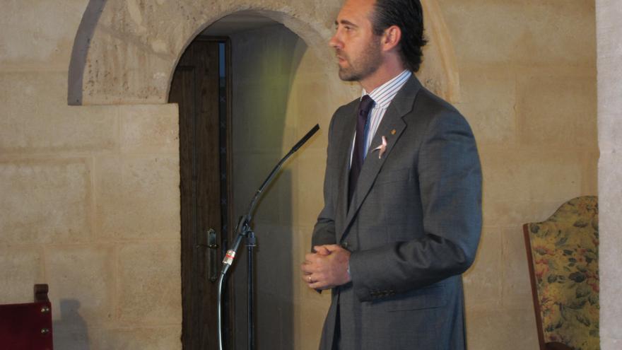 """Bauzá apuesta por un """"ERE"""" de parlamentarios autonómicos porque se puede hacer """"el mismo trabajo"""" con menos diputados"""