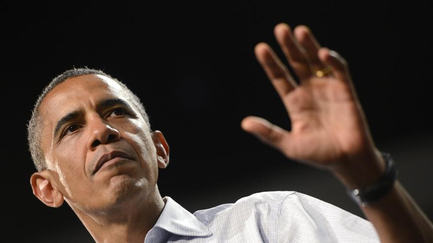 Obama aventaja a su rival republicano en las encuestas y en la recaudación de fondos