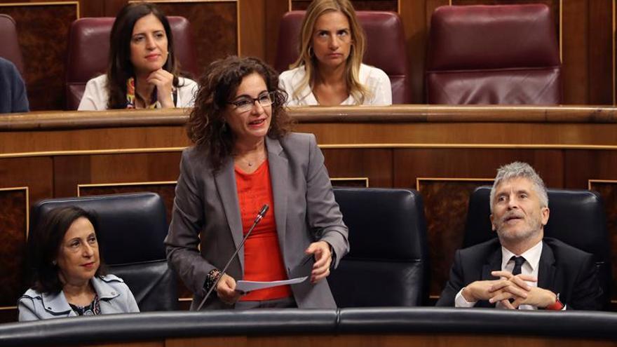 Montero: Ningún miembro del Gobierno usa una sociedad para rentas del trabajo