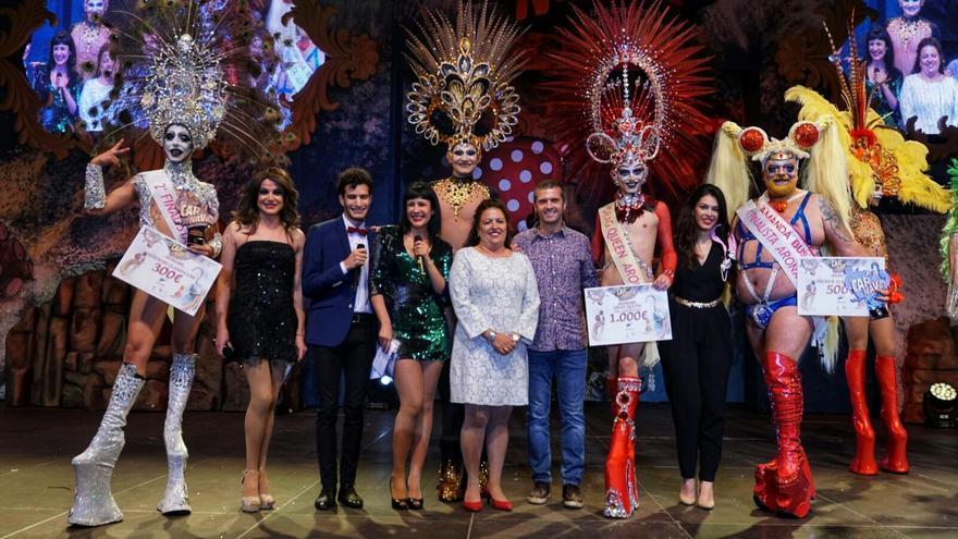 Foto de familia del ganador y los finalistas en la gala Drag Queen de Los Cristianos