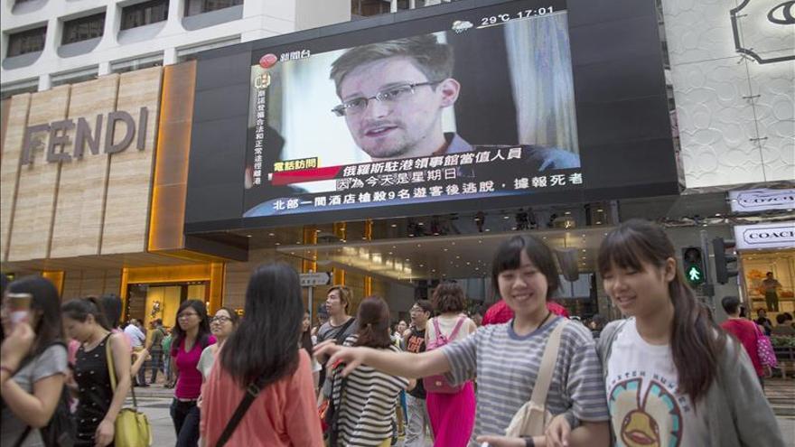 Berlín no descarta que Snowden sea interrogado en suelo ruso