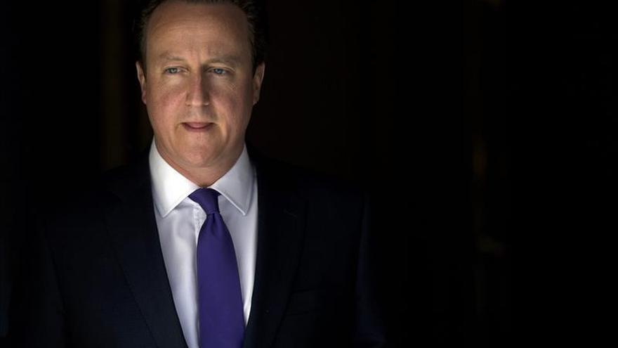 Los diputados conservadores aclaman a Cameron en el Parlamento británico