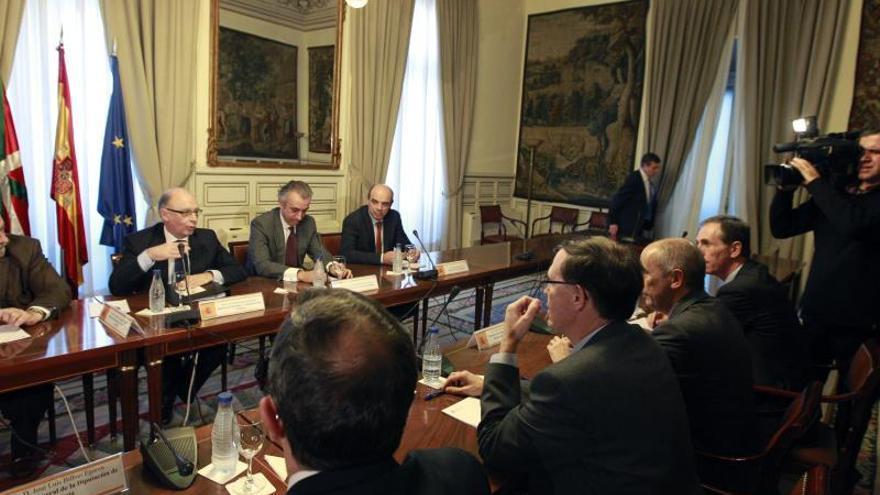 Gobiernos central y vasco quieren abordar la actualización del cupo este año